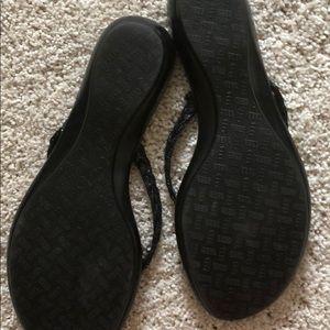 12734ba9d2ac4b Italian Shoemakers Shoes - Cute black flip flops NWOT